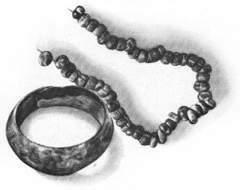 Ювелирные украшения - браслет и бусы - эпохи &quotбронзы&quot.XII-XI вв. до н.э.Раскопки в местности Муминабад близ Самарканда.